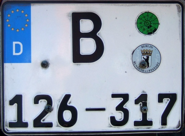 Germany semi-diplomatic series close-up B 126-317.jpg (94 kB)